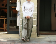 STAMP AND DIARY / turtleneck